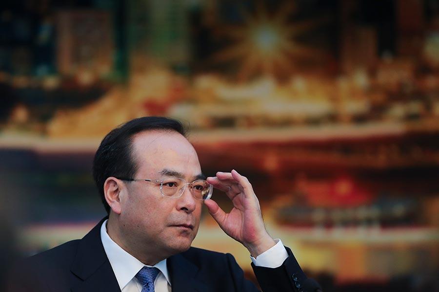 近日,中共官媒兩篇文章點了前重慶市委書記孫政才的名字,首次披露他是在中紀委巡視組「回馬槍」中被拿下。(Lintao Zhang/Getty Images)