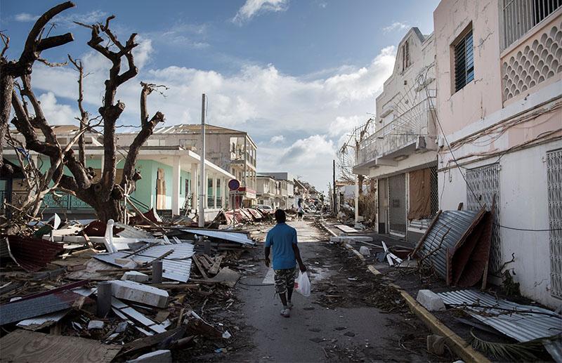 艾爾瑪橫掃加勒比海地區期間造成至少25人死亡,部份地區超過九成房屋被毀。(Getty Images)