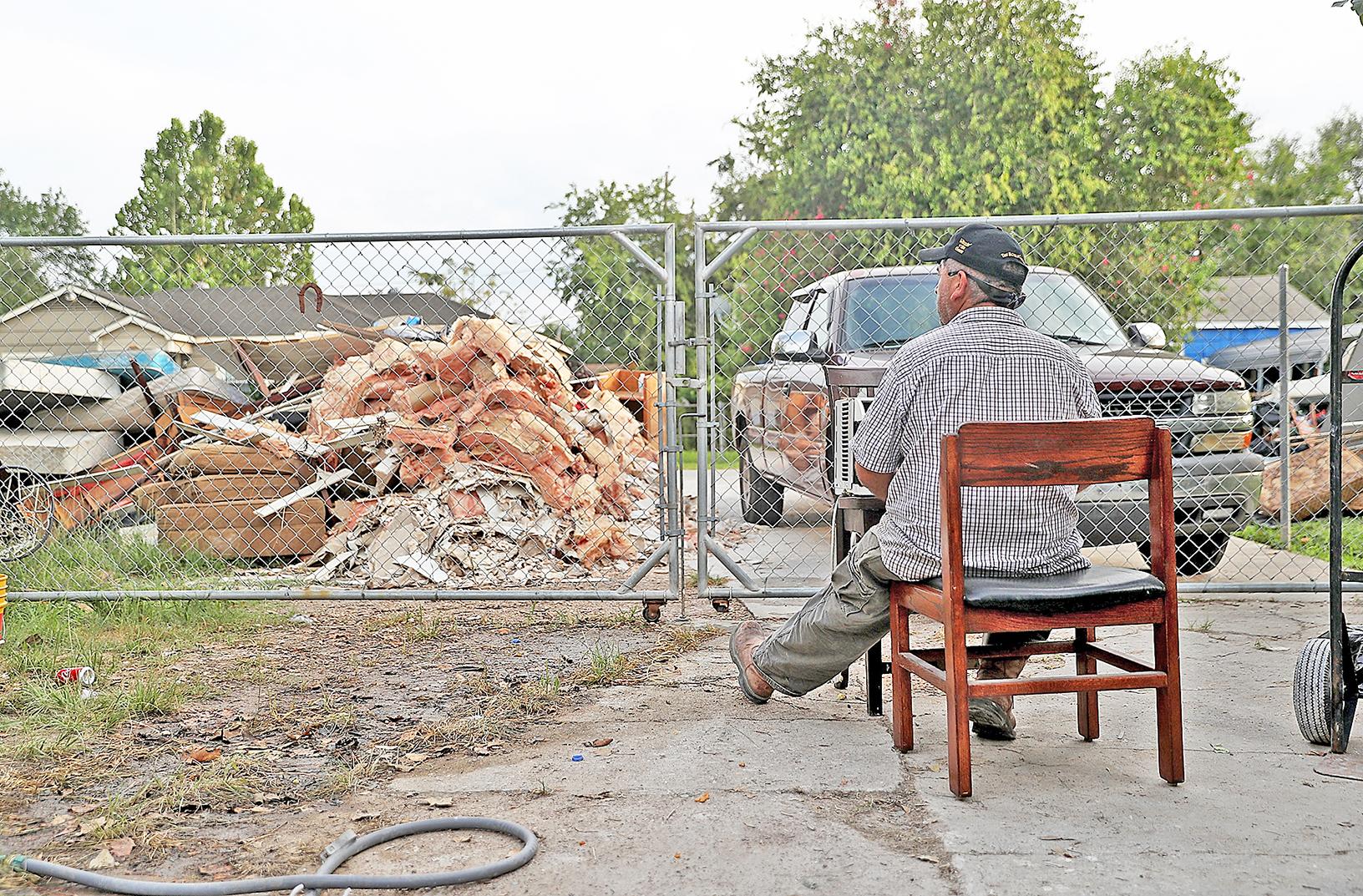 要恢復「正常」,侯斯頓居民面臨艱苦、漫長的路。(Getty Images)
