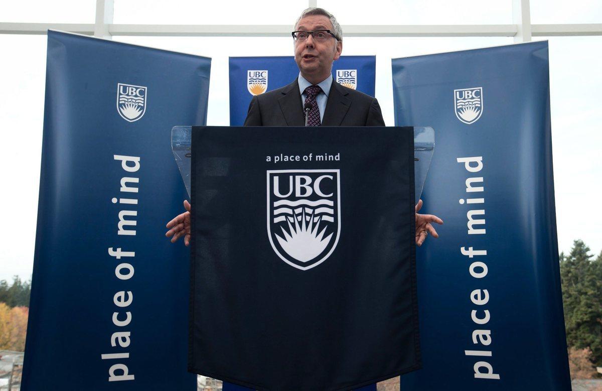 加拿大法學專家杜思齊(Stephen Toope)將于10月2日擔任英國劍橋大學校長。圖為杜思齊2013年在擔任加拿大卑詩大學校長期間講話。(加通社)