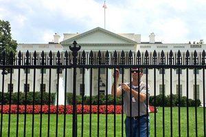 白宮臨時關閉45分鐘 兩人被捕