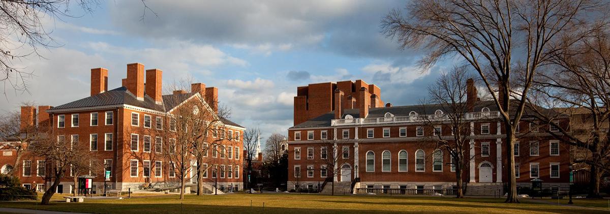 哈佛大學是美國最古老的大學,成立於1635年,也是常春藤盟校之一,其影響力遍佈全球各個領域。(哈佛大學)