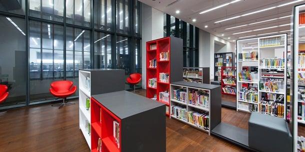 申訴專員公署今日發表報告指出,康文署在採購和註銷圖書館資料的準則和程序方面,存在多方面不足之處。(康樂及文處事務處)