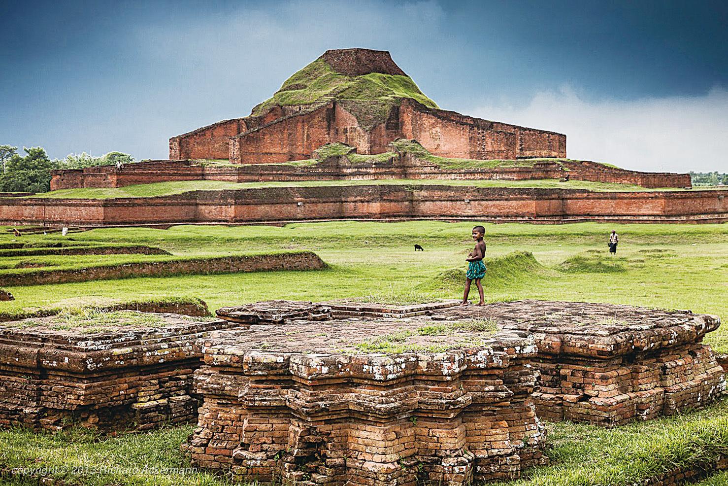 帕哈爾普爾遺址——大乘佛教在孟加拉興起的見證。(網絡圖片)