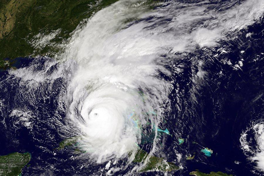 加人獲政府包機撤出颶風災區 外交部長接機