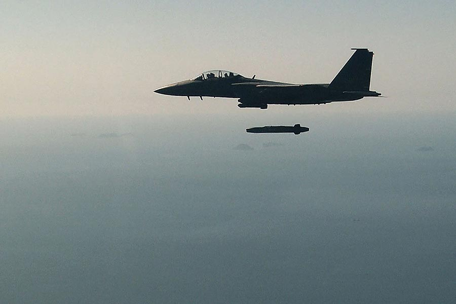 應對平壤連接核武測試挑釁,南韓軍方周二(9月12日)進行實彈演習。(South Korean Defence Ministry/AFP)
