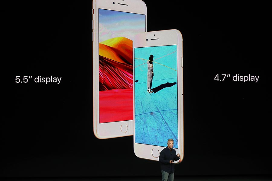 iPhone 8 Plus和iPhone 8。(Justin Sullivan/Getty Images)