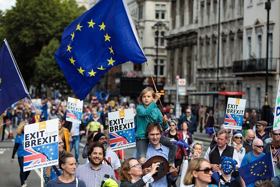 上萬民眾上周六(9日)在倫敦舉行反脫歐遊行。(Jack Taylor/Getty Images)