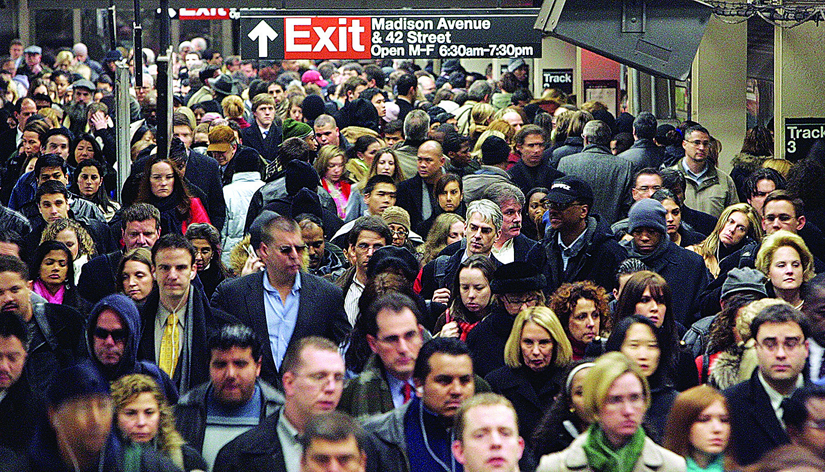 紐約地鐵系統中心樞紐的來往客流。(Mario Tama/Getty Images)