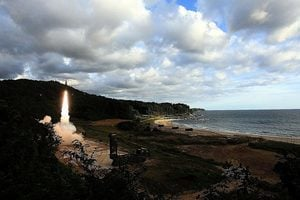 即時反擊北韓射彈挑釁 南韓射玄武二型導彈