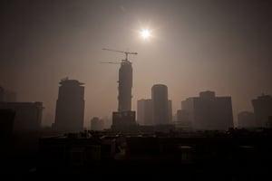 中國經濟數據全面疲軟 投資增速十八年新低