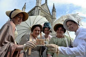 簡奧斯丁逝世二百周年 肖像現英新版十鎊鈔