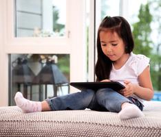 怎樣讓孩子從虛擬世界走入現實生活?