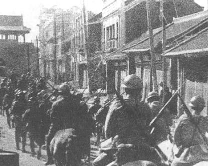 日軍在九一八事變後進入瀋陽。(維基百科)