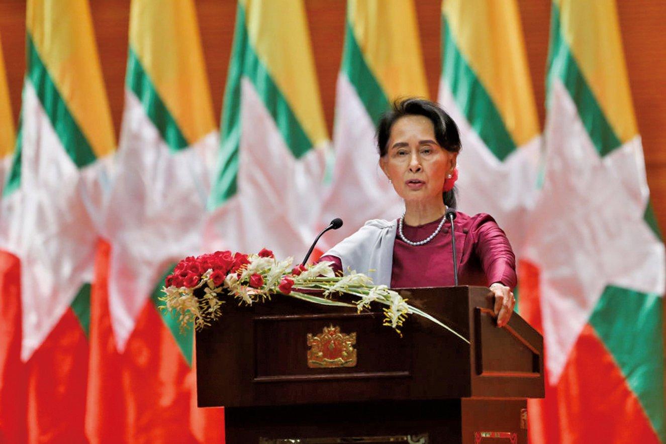 周二(9月19日)昂山素姬在緬甸首都內比都就羅興亞回教徒危機發表電視講話。(AFP)