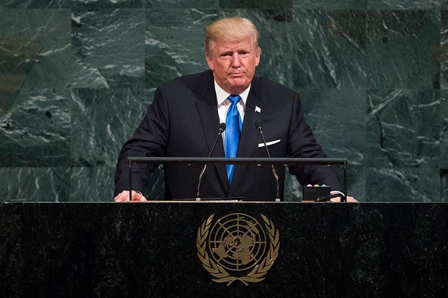 美國總統特朗普周二(9月19日)在聯合國大會上警告,全世界面臨巨大危險:流氓政權在發展核武器,恐怖主義份子在全球擴張。他呼籲各國領導人,加入美國消滅流氓政權和恐怖份子的戰鬥。(Drew Angerer/Getty Images)
