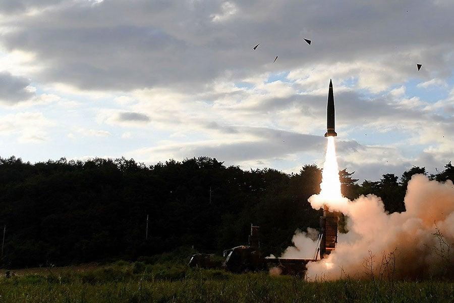北韓本月軍事動作頻頻,南韓軍隊將加快努力,以加強針對北韓在先發制人打擊、導彈防禦以及進行報復方面的能力。(South Korean Defense Ministry via Getty Images)