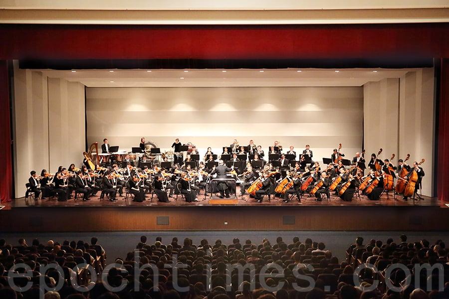 9月20日,神韻交響樂圖在台灣的首場演出大獲好評。(林仕傑/大紀元)