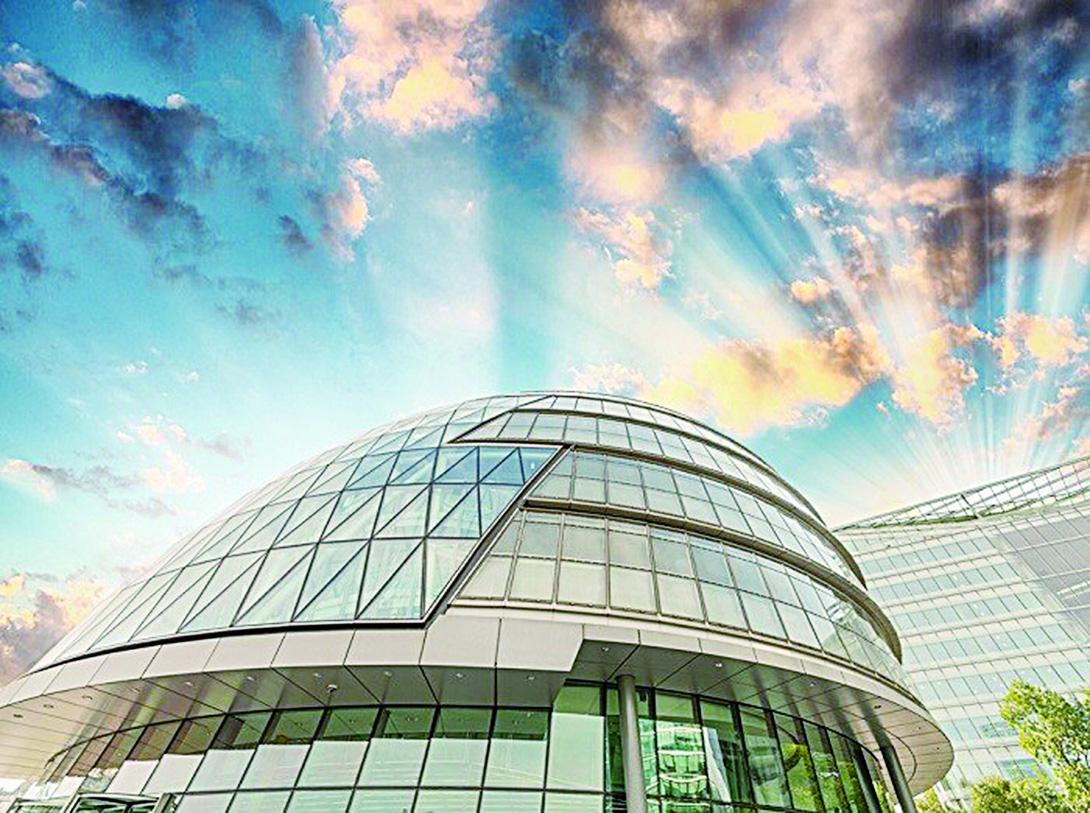 位於泰晤士河南岸的倫敦市政廳。(depositphotos)