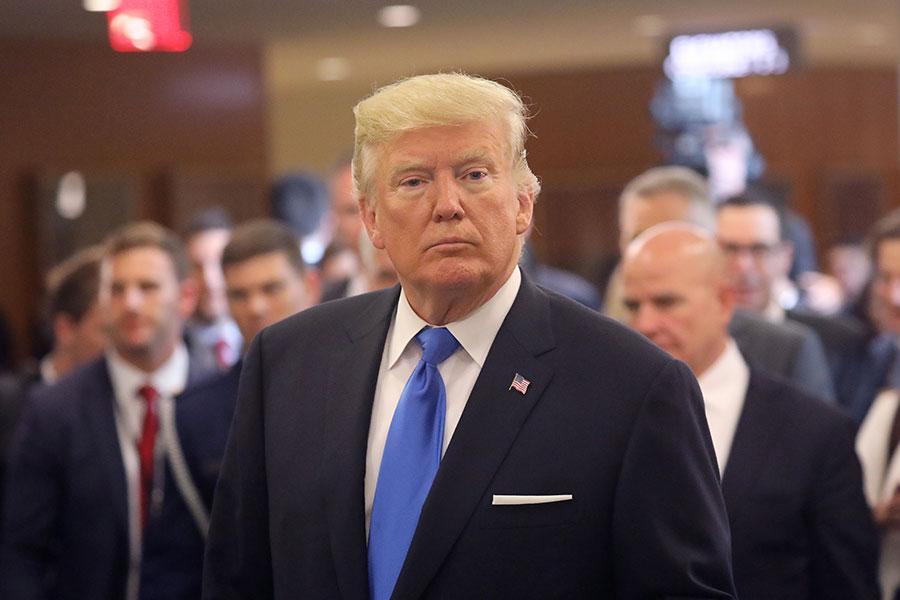 美國總統特朗普周三(9月20日)在聯合國大會期間告訴記者,他已經對伊朗核協議作出決定,但是他沒有披露決定是甚麼。(John Moore/Getty Images)