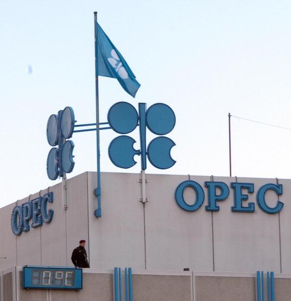 OPEC有意延長減產 油價第三季大漲16%
