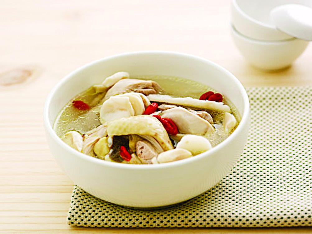 當歸燉子雞可補血益氣、和胃止痛。(網絡圖片)