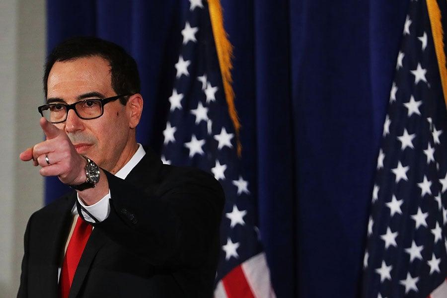 美國財長在記者招待會上解答了關於對北韓的新一輪制裁的問題。(Spencer Platt/Getty Images)