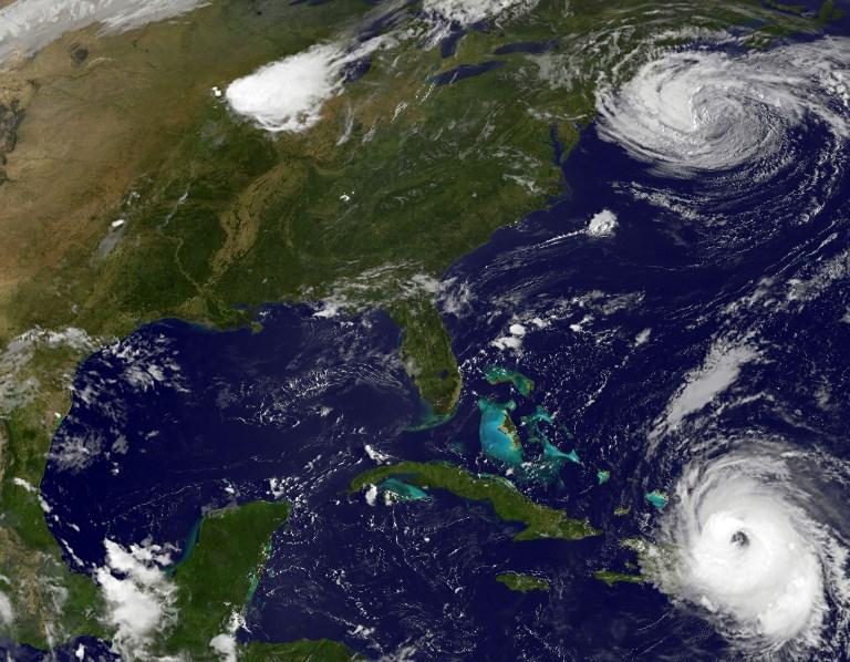 NOAA-NASA在2017年9月21日12時15分拍攝的衛星圖像顯示了颶風瑪麗亞(下)和颶風荷西(頂部)的活動。波多黎各21日受到颶風瑪麗亞襲擊,摧毀了該島整個電網。(AFP PHOTO / NOAA-NASA GOES PROJECT)