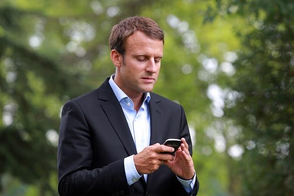 記者手機被盜 馬克龍手機號外洩