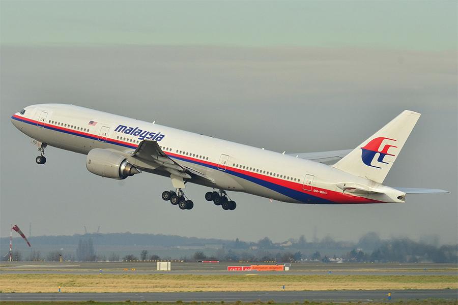 2014年3月8日,馬來西亞航空公司由吉隆坡飛往北京的MH370航班在起飛一小時後,在越南上空突然消失。圖為失蹤的馬來西亞航空MH370航班客機原來照片,攝於2011年12月26日。(Laurent ERRERA from L'Union, France/Wikimedia Commons)