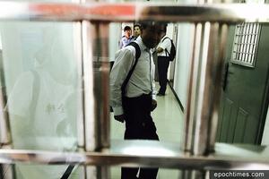 十九大前打壓加劇 維權律師遭法院驅逐