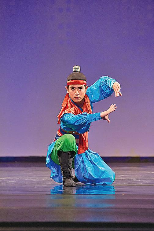 2016年第7屆新唐人「全世界中國古典舞大賽」,高橋俊夫(Toshio Takahashi)演繹《林沖夜奔》(戴兵/大紀元)