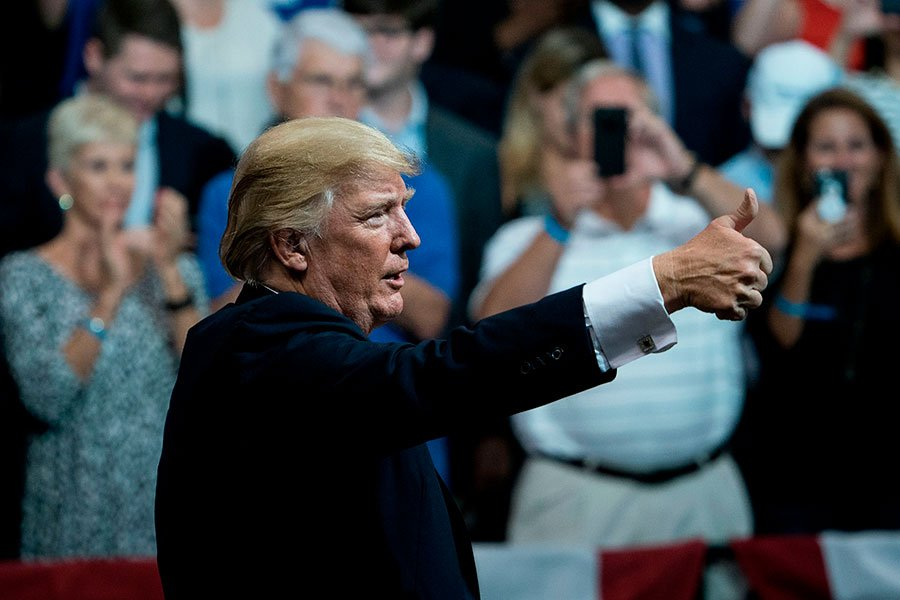 9月22日特朗普參加阿拉巴馬州的集會並演講。(BRENDAN SMIALOWSKI/AFP/Getty Images)