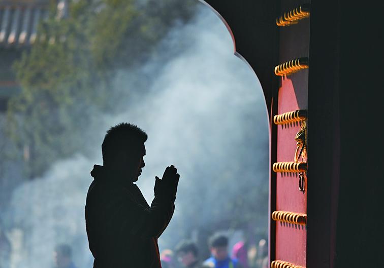 民調顯示,中共組織中高達八成半黨員信仰宗教。(Getty Images)