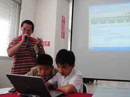 兒童「觸網」低齡化 三歲幼兒會使用微信