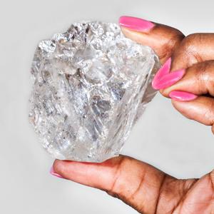 網球般大的原鑽 加國鑽石商以五千多萬美元售出