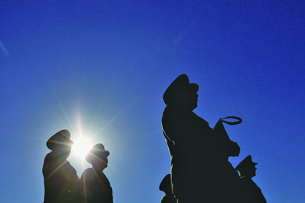 習近平軍改,迄今為止,對「雙首長制」完全沒有改動過,各級軍事主官和政工主官都是地位相齊的。(Getty Images)