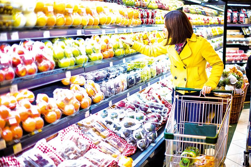 美國超市裏的華人「走吃族」