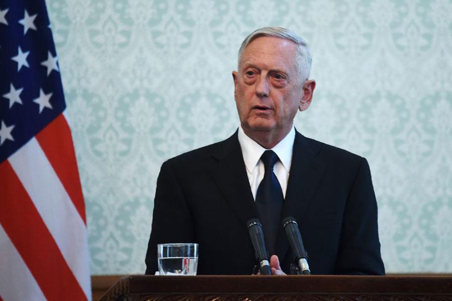 9月27日,美國國防部長詹姆斯・馬蒂斯在阿富汗召開會議。(WAKIL KOHSAR/AFP/Getty Images)