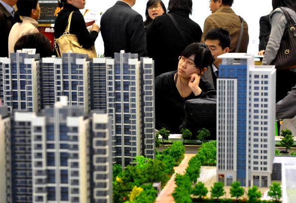 大陸樓市調控升級 億萬富豪日虧逾五百億