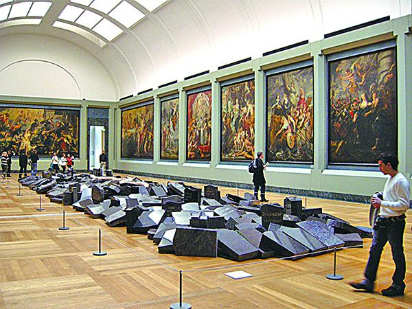 羅浮宮特別為魯本斯所繪製的巨幅系列油畫「瑪麗.麥第奇生平」開闢一間專屬展廳。(攝影/史多華)