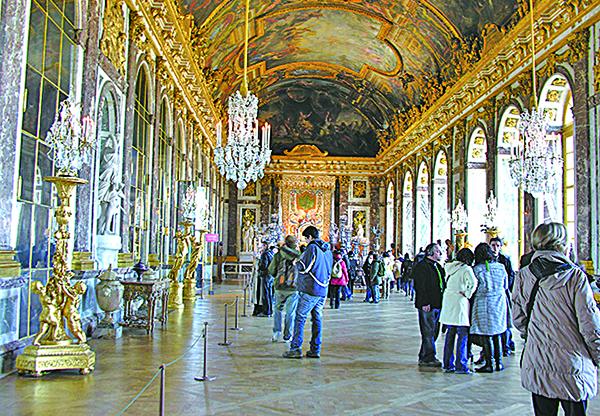 凡爾賽宮中最富麗堂皇的大廳——鏡廳。