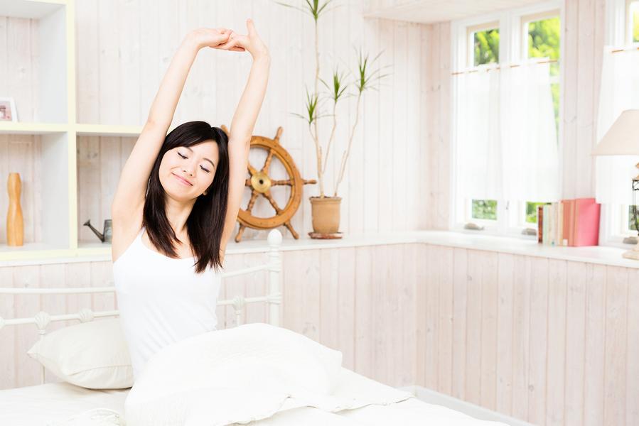 早晨健康起床四件事