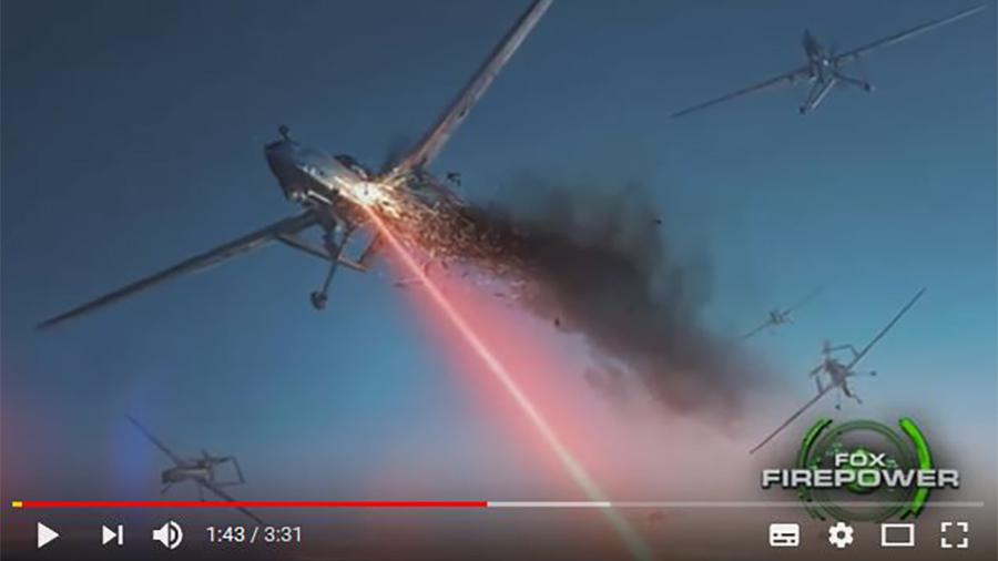 強大的雅典娜(ATHENA)激光武器可以在幾秒鐘內摧毀敵方的威脅。在美軍一次最新測試中,這款新武器在數秒內摧毀了五架收割者無人機。(視像擷圖)