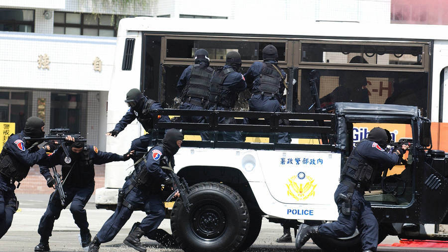 台大濺血 鄭宇碩:政府打擊黑幫獲民眾歡迎