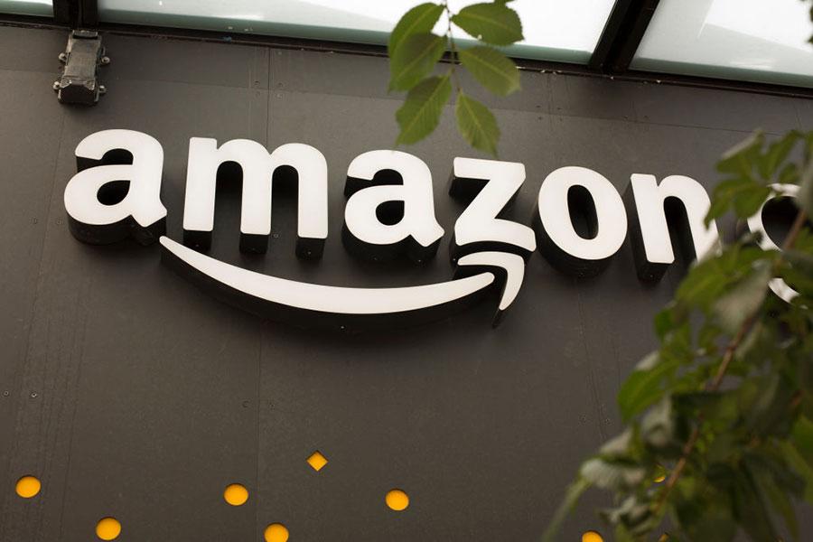 10月4日,歐盟宣佈對電商亞馬遜進行近3億美元的罰款。(David Ryder/Getty Images)
