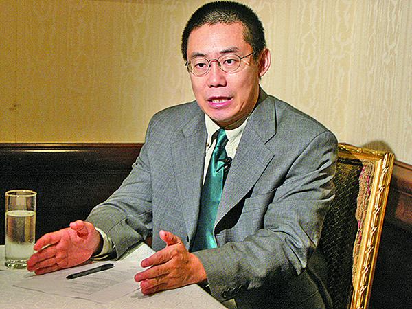 旅美政論家曹長青分析,這凸顯中共公然利用黑幫勢力來嚇唬、威嚇、威脅台灣人民,肆無忌憚在台灣推行共產黨專制。(蘇昭蓉/大紀元)