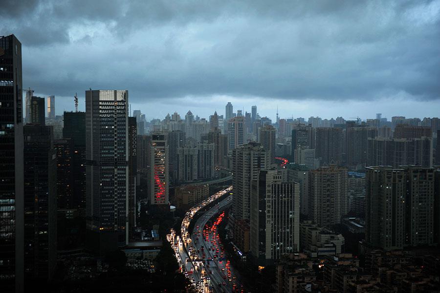 業界人士警告,要遠離大陸房地產股票。(VCG/VCG via Getty Images)