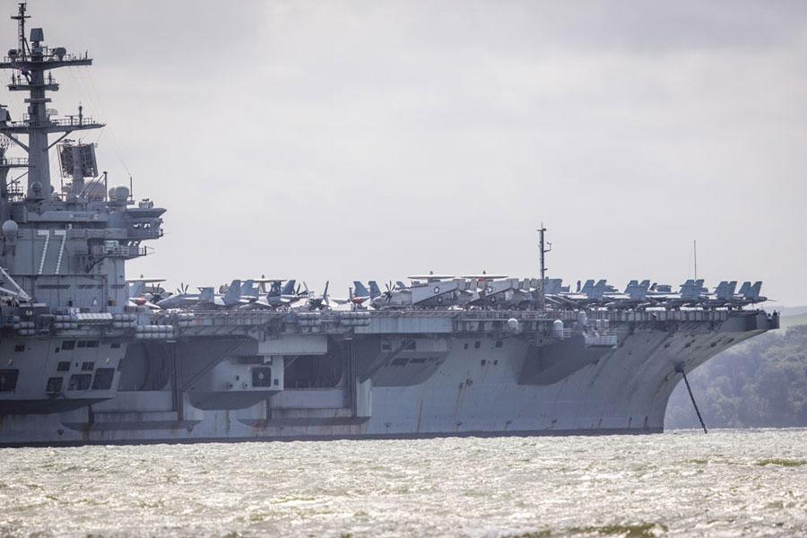 圖為喬治・H・W・布殊號航空母艦。(Jack Taylor/Getty Images)