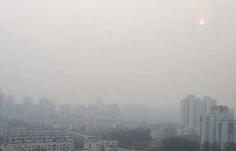 陰霾侵襲北京等地 或影響長假返程潮